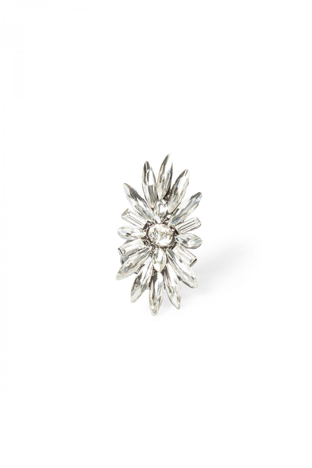 Inel argintiu in forma de floare Argintiu