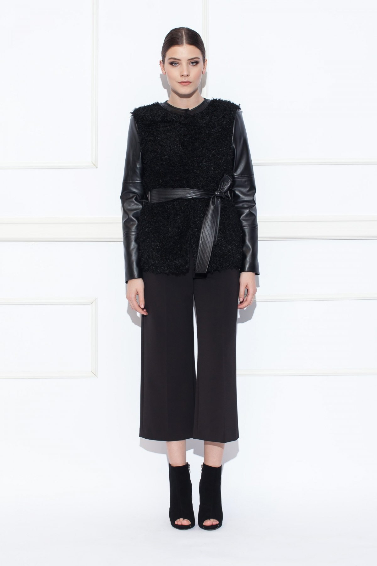 Jacheta cu insertii din piele ecologica Negru
