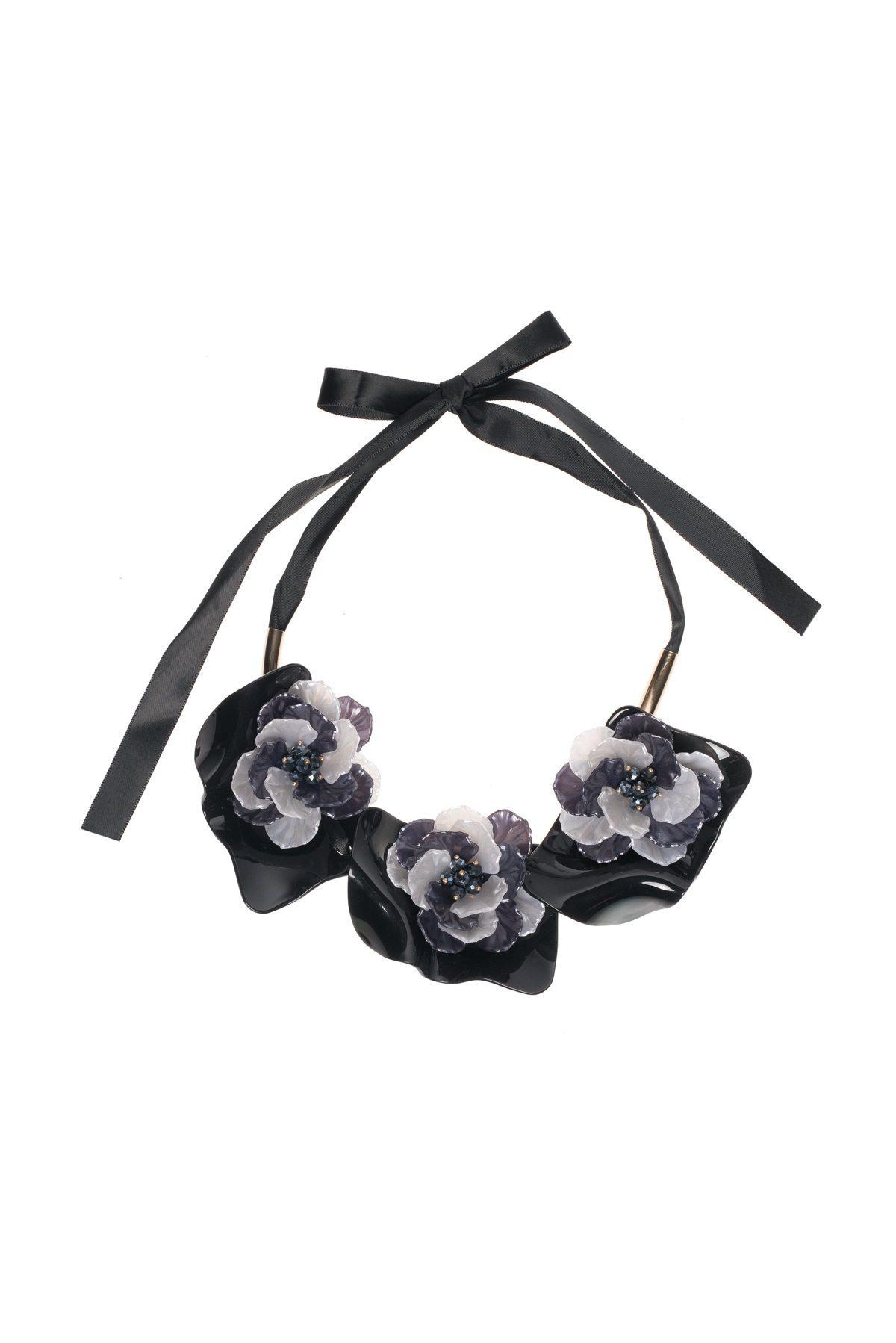 Colier negru cu flori gri Negru