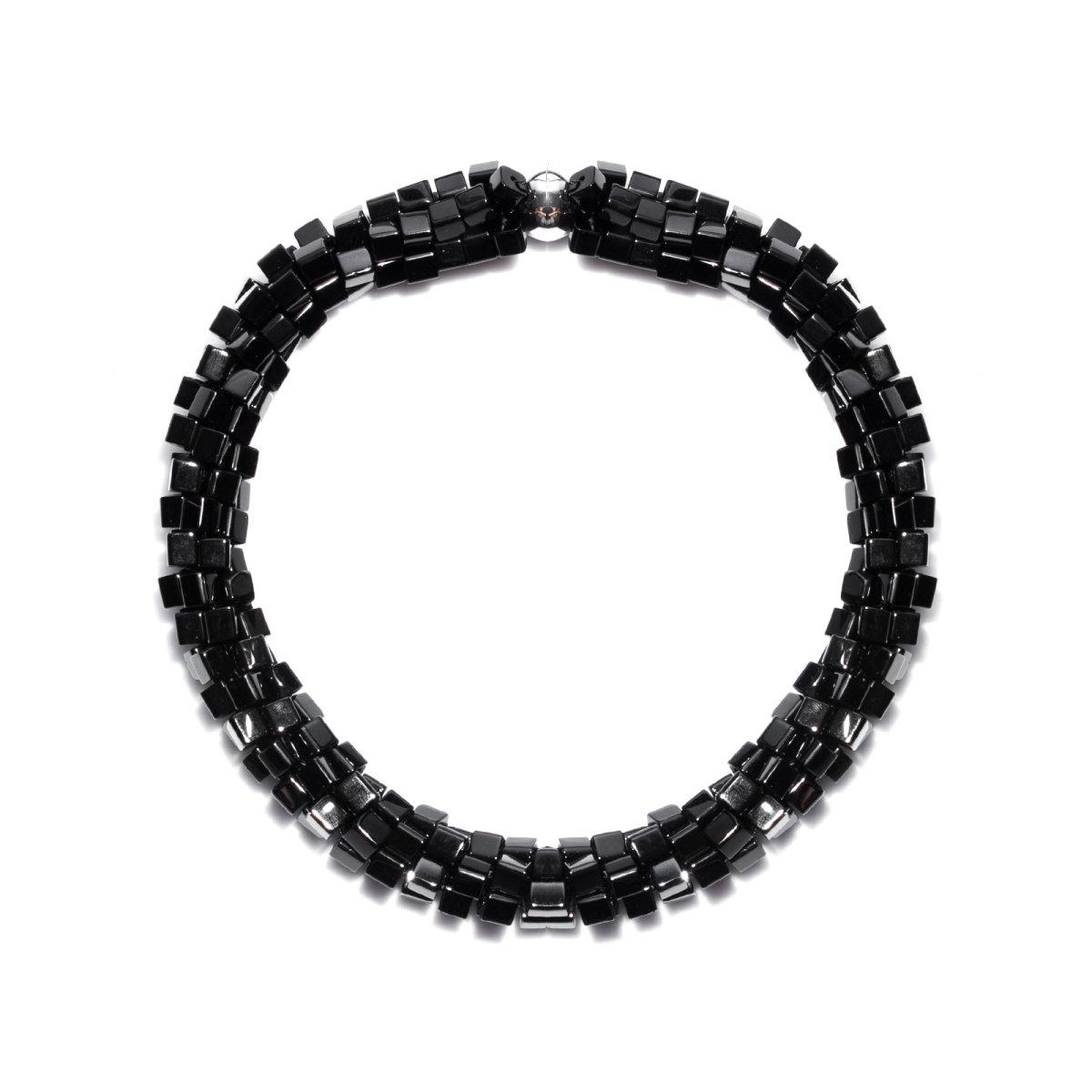 Colier cu margele negre asimetrice Negru