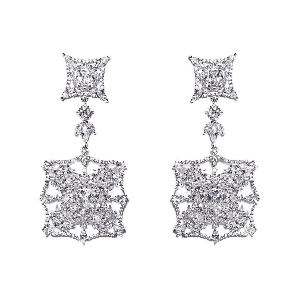 Cercei deosebiti cu cristale de zirconiu Argintiu