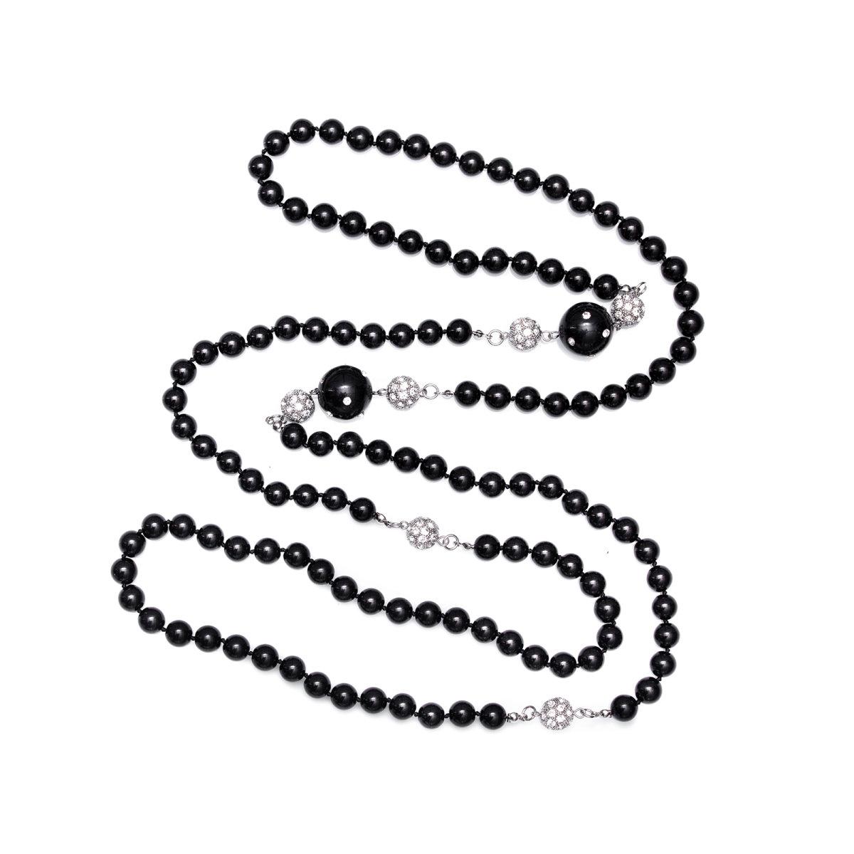 Colier maxi cu detalii tip perle si cristale Negru