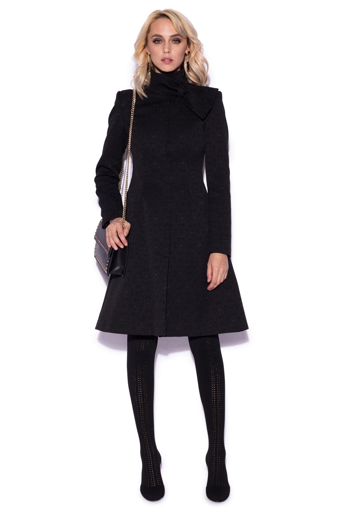 Palton clasic cu detaliu pe guler Negru