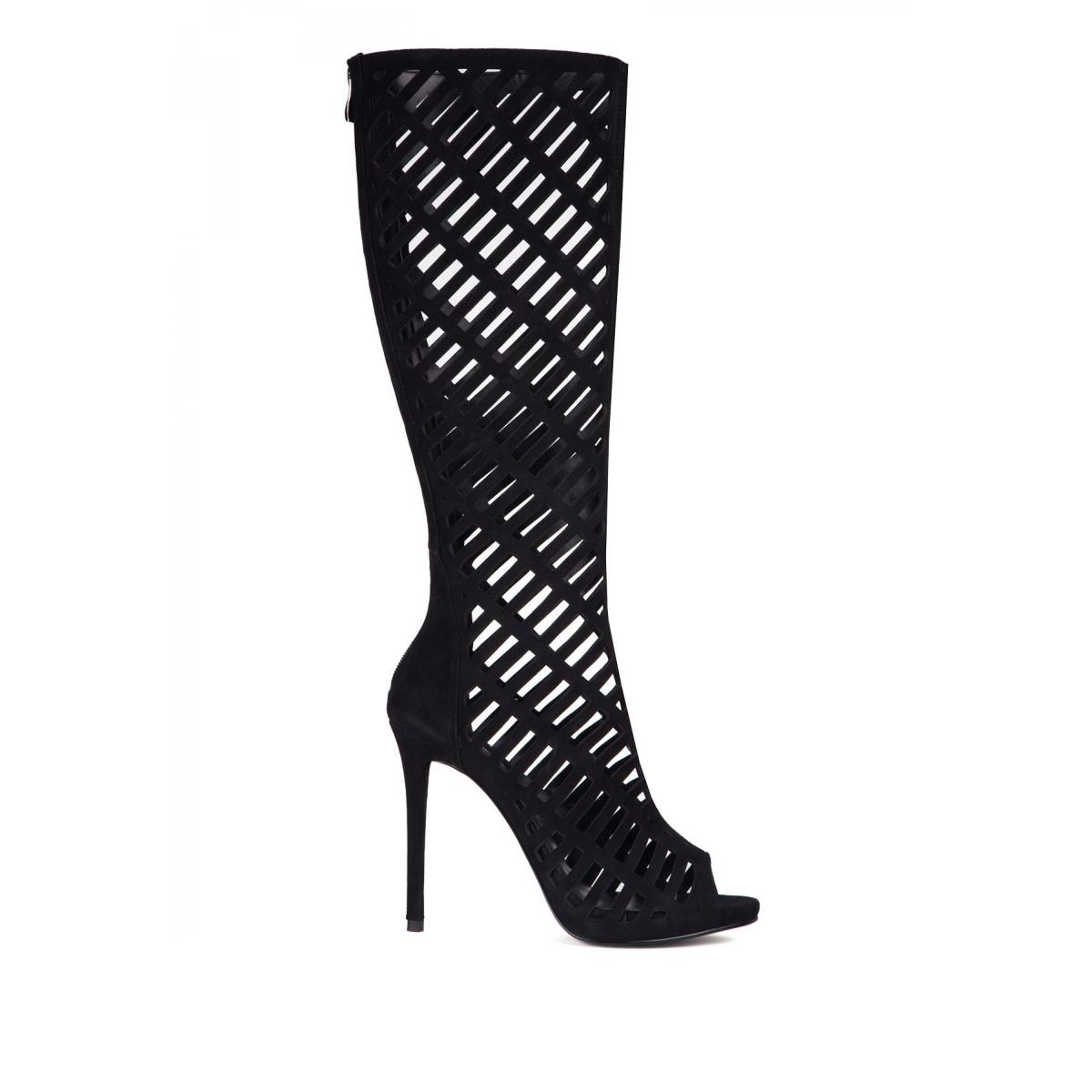 Sandale negre inalte din piele intoarsa perforata Negru