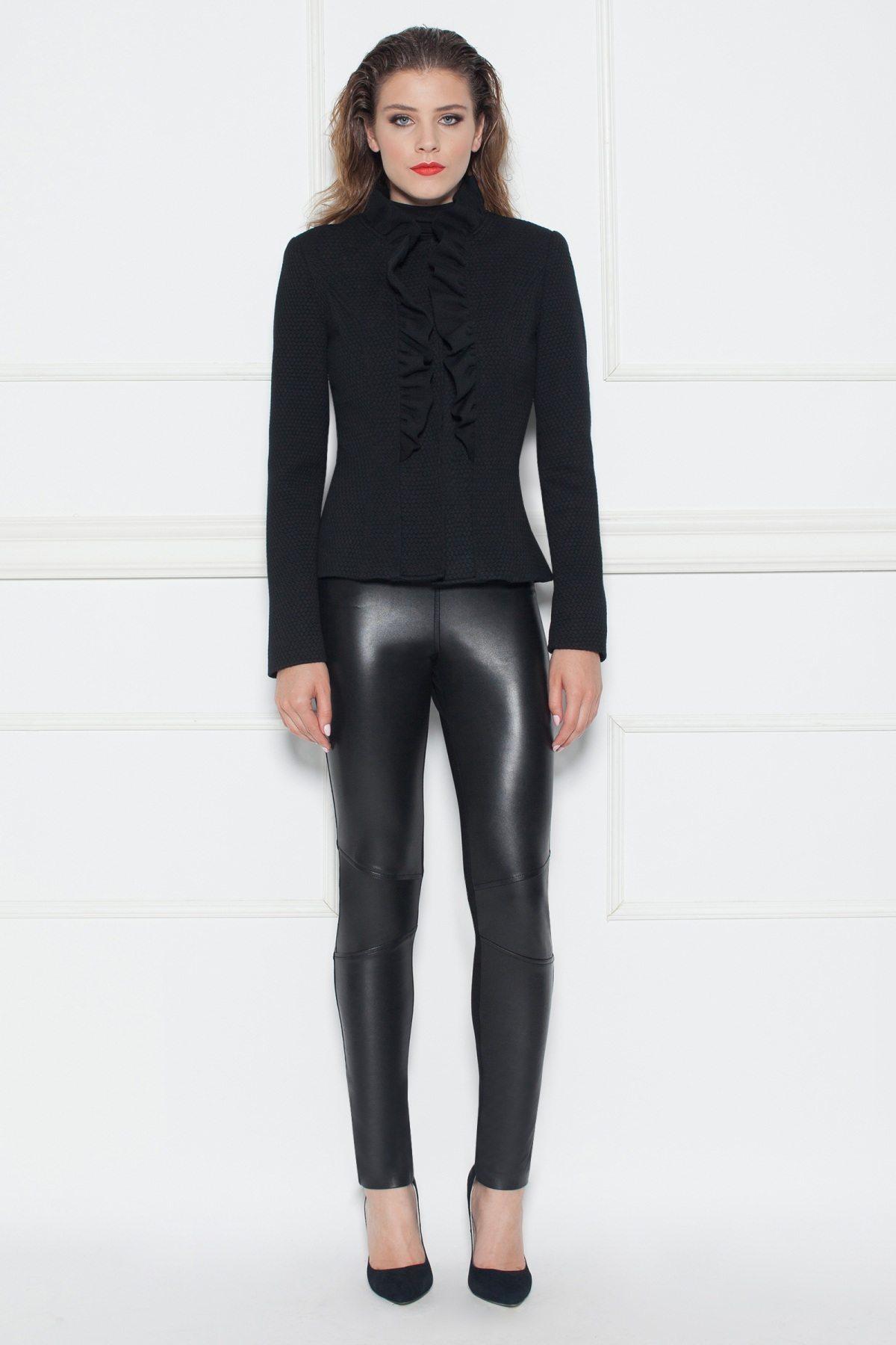 Jacheta eleganta cu volanase aplicate Negru